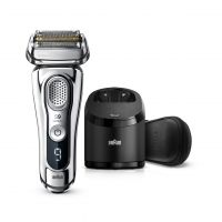 9395CC Shaver with Clean & Charge station